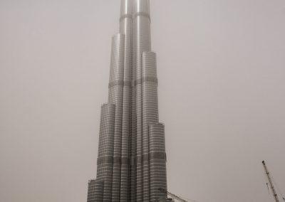 Burj Khalifa in Dubai im Sandsturm