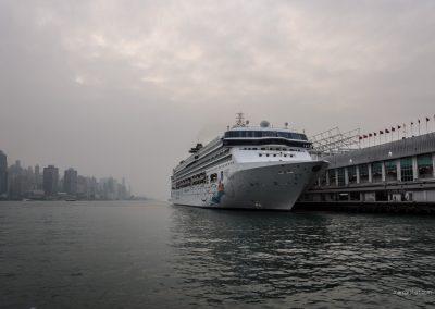 Kreuzfahrtschiff in Hong Kong