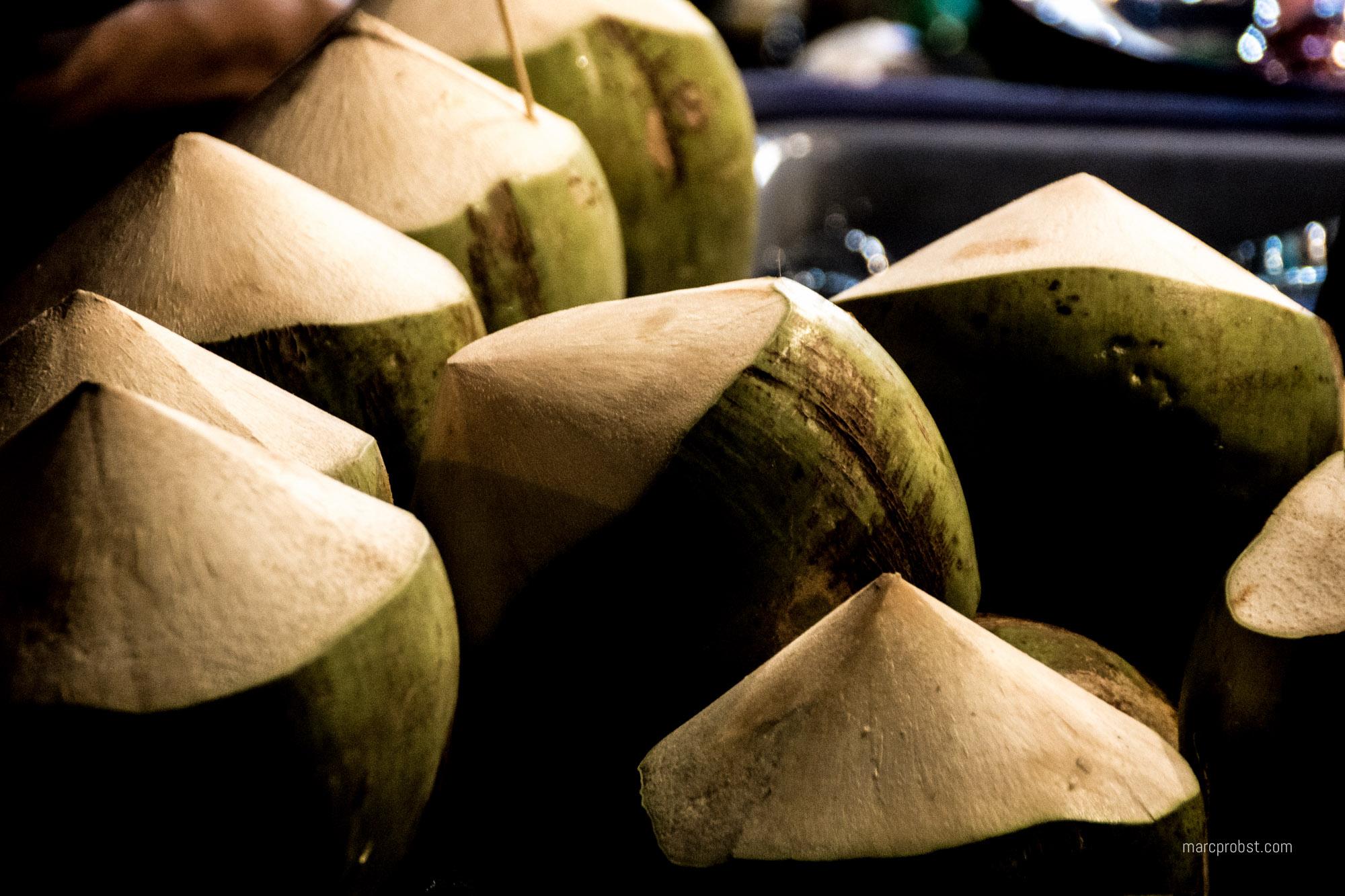 Frische Kokosnüsse in Chiang Mai in Thailand